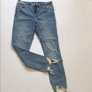 Distressed jeans H&M size 33